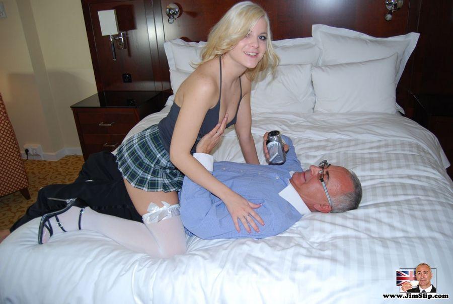 jovencitas prostitutas prostitutas follando con viejos