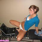 Gozando con su consolador ante la webcam