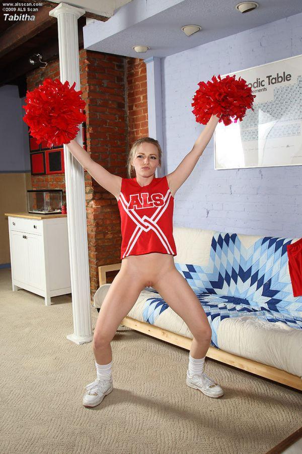 mid-teen-virgin-cheerleaders-drunk-naked-pussy